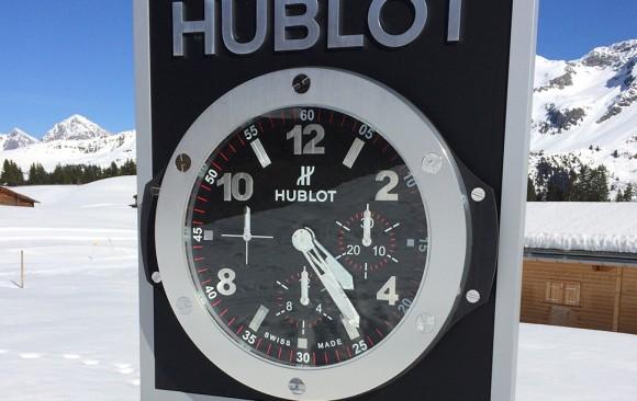 OUTDOOR CLOCK IN AROSA - SWITZERLAND